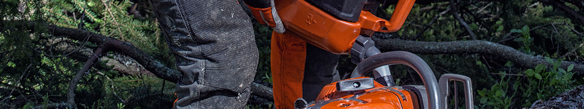Filling Husqvarna chainsaw with Fuel